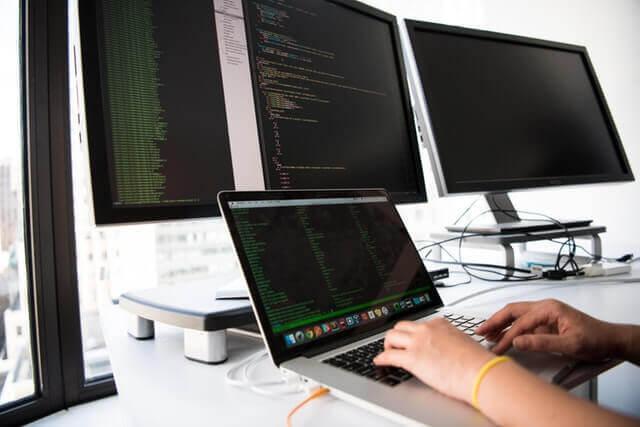 Teknologi masa Digitaliasi bisnis