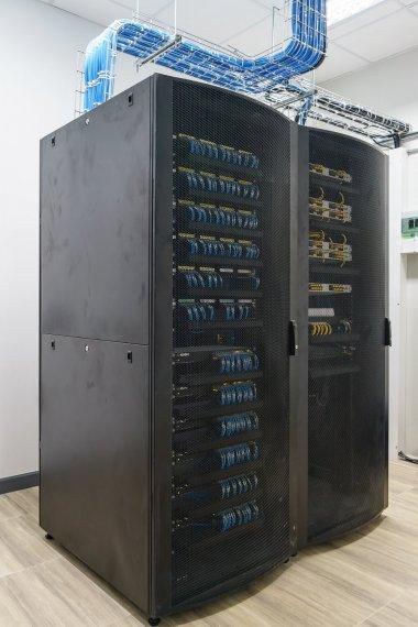 Perbedaan VPS, Dedicated server dan Shared Hosting