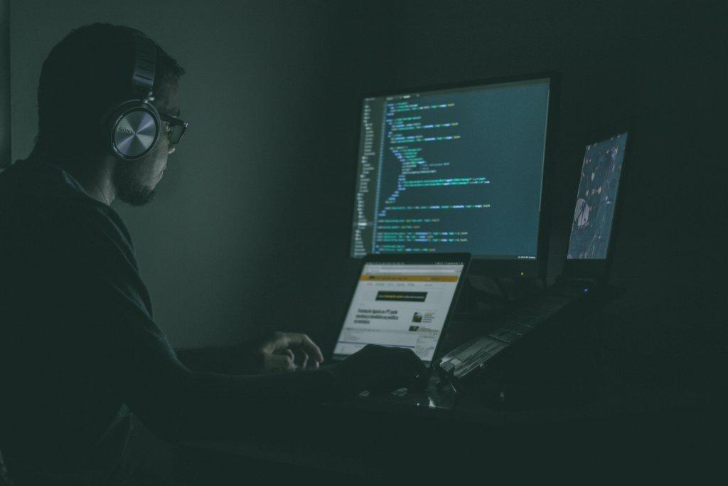 tanggung jawab back-end programmer