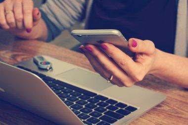 Kenapa butuh email personal?
