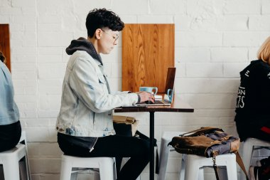 Freelance Developer di Jagoan Hosting